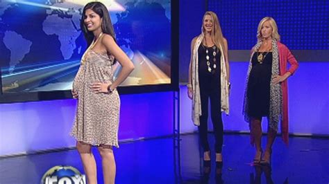style expert shows pregnant women   dress