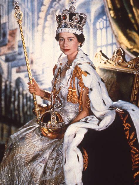 Elizabeth Ii  Neuf Anecdotes Peu Connues Sur La Reine Qui