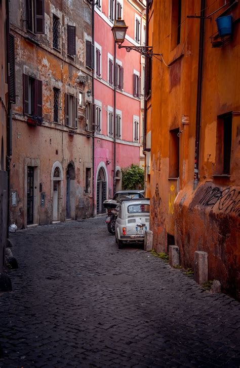 Narrow Streets Of Rome In 2019 Rome Italy Attractions