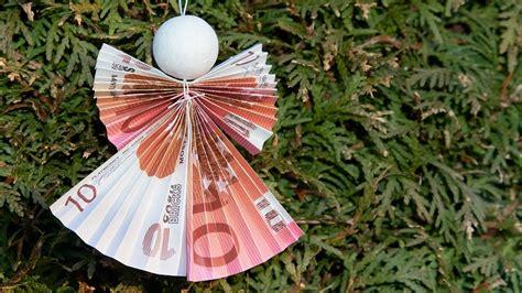 geld zu weihnachten verschenken engel aus geldschein