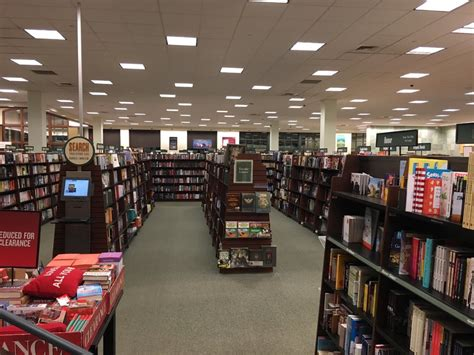 barnes and noble manchester nh barnes noble 20 reviews bookshops 1741 s willow st