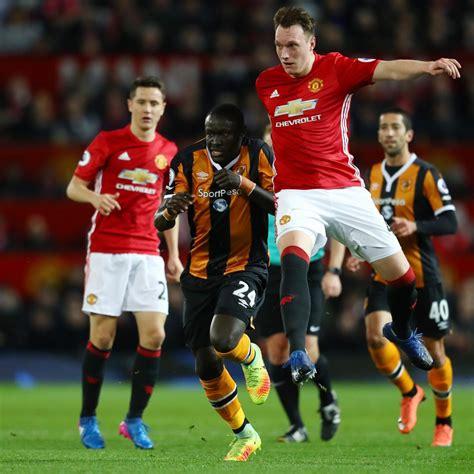 Phil Jones Injury: Manchester United Defender Suffers ...