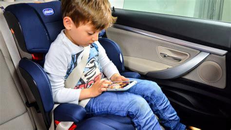 chicco si鑒e auto niente cappotti al bambino nel seggiolino verde azzurro notizie