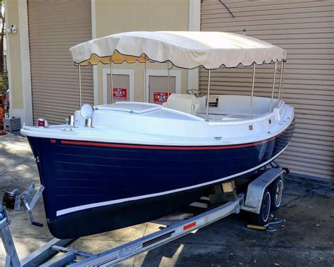 Electric Boat by 2008 Duffy Electric Boat 22 Center Galley Power Boat For