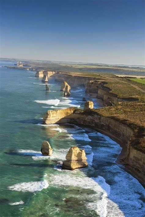 spectacular scenery   great ocean road australia