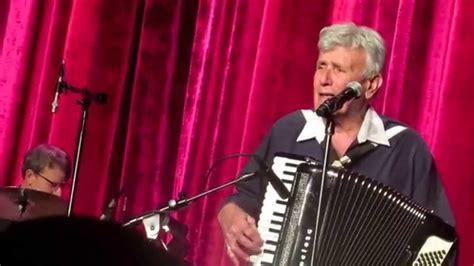 Dick Contino - Quando, Quando, Quando (Las Vegas) - YouTube