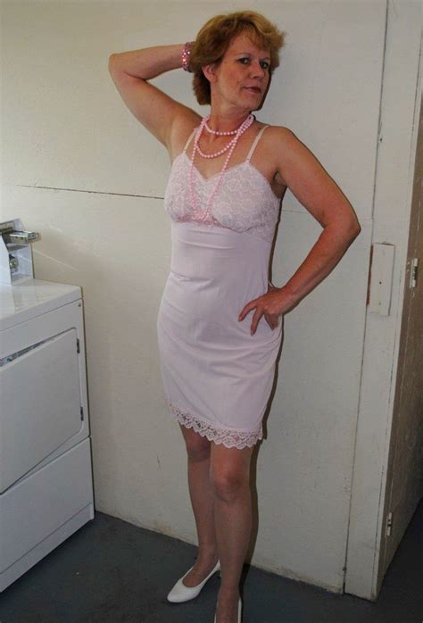 amateur grannies posing hard core photograph