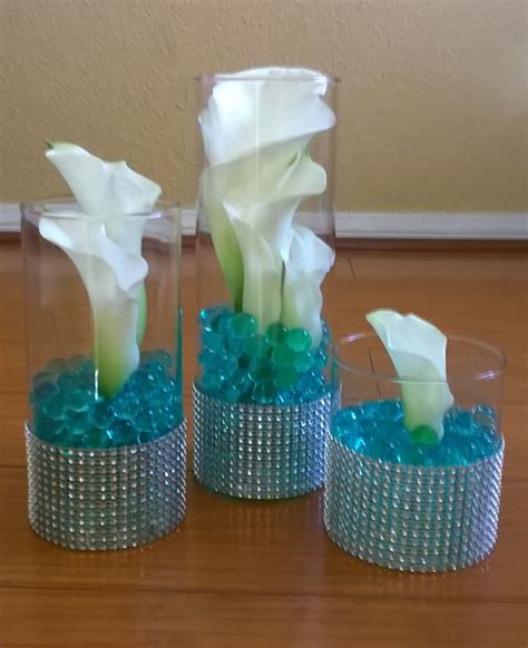 calla lilies with turquoise water beads