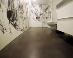 badgestaltung mit tapete wohnideen wandgestaltung maler aufsehen erregender wow effekt und schmeichelnde materialien in