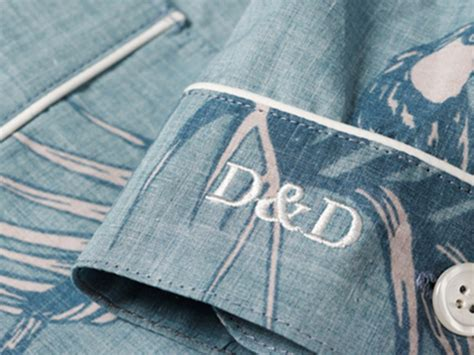 hand monogramming   embroidery experts