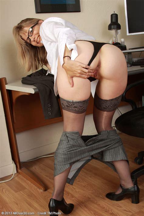 Sexy Secretary Lexa Mayfair Caress Her Pussy Milf Fox