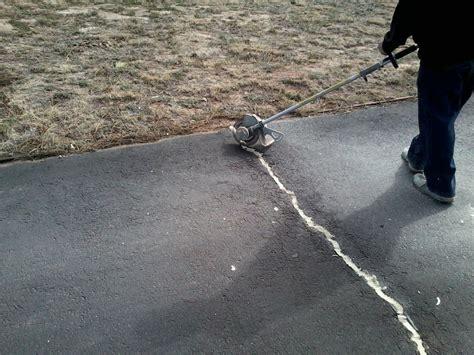 Seal Asphalt Cracks Colorado Springs, Pueblo, Monument