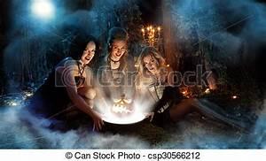 Schöne Halloween Bilder : stock fotografie von sch ne magic drei dunkel hintergrund wald hexen csp30566212 ~ Eleganceandgraceweddings.com Haus und Dekorationen