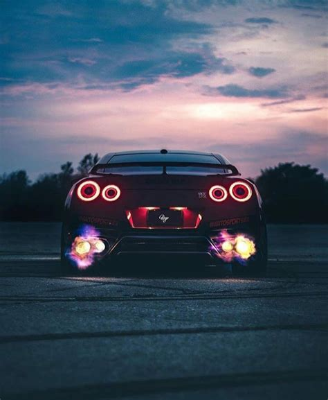 Gtr Shooting Flames Wallpaper by Nissan Gtr Coches Deportivos Nissan Gtr R35 2015