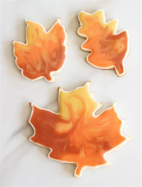 cooking flooding  sugar cookie cutouts  gold
