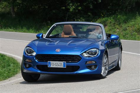 Fiat 124 Spider by Fiat 124 Spider 2016 Review Auto Express