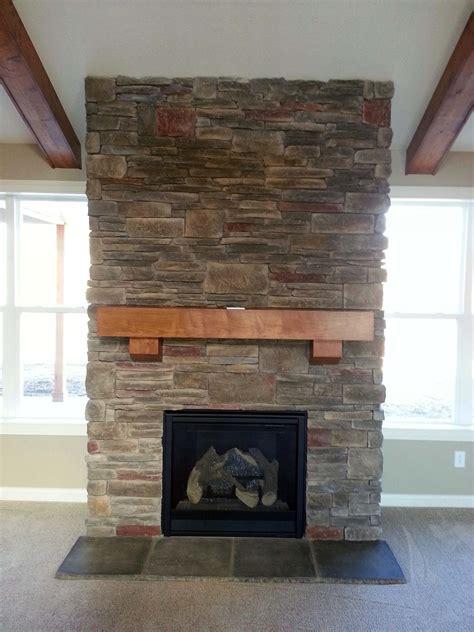 stone veneer fireplace  decorate  living room