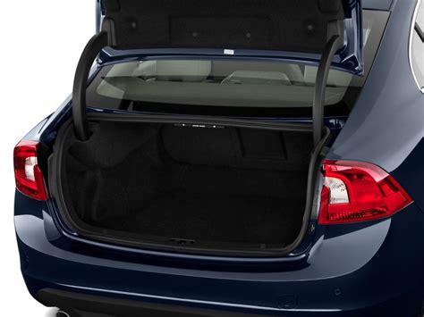 image  volvo   door sedan trunk size