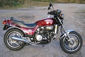 Honda Vf 750 : 1982 honda vf750s v45 sabre moto zombdrive com ~ Melissatoandfro.com Idées de Décoration