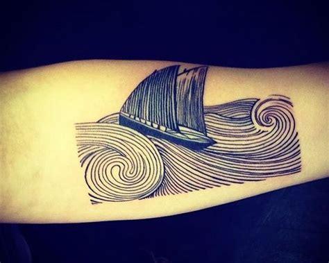 Wasser Und Wellen Tattoos