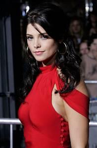 Ashley Greene Net Worth - Celebrity Sizes