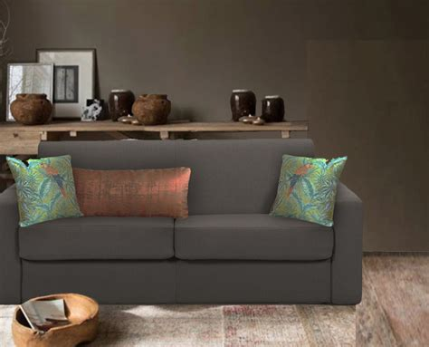 coussin de luxe pour canapé coussins pour canapé taupe