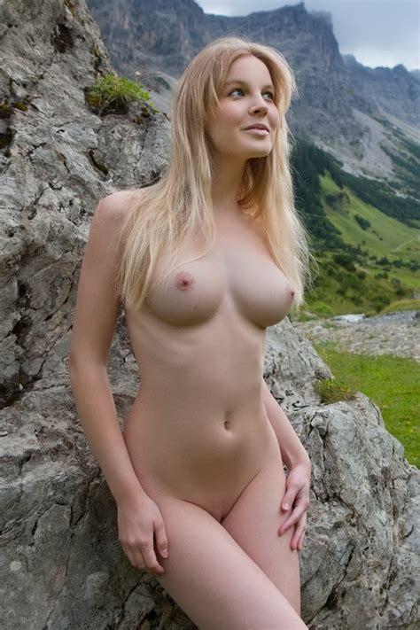 Yodeling Naked German Farm Girl