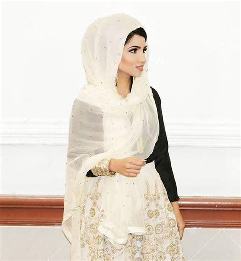 wear hijab styles step  step    ways