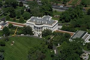 Aerial view of the White House, Washington, D.C.