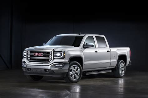 gmc sierra   ram  compare trucks