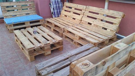 canapé avec palette bois canapé chaise banc un meuble en palette pour tous