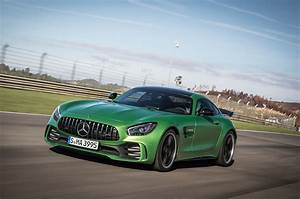 Mercedes Amg Gt R : 2018 mercedes amg gt r first drive review motor trend ~ Melissatoandfro.com Idées de Décoration