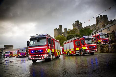 volvo trucks delivers  fl  fire trucks  north