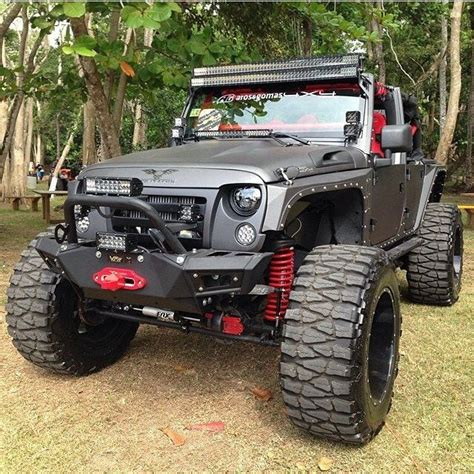 jeep wrangler custom lift custom jeep wrangler lifted and kitted out lifted toys