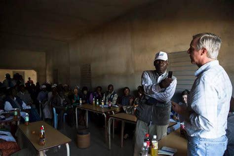 bureau des nations unies pour la coordination des affaires humanitaires ebola la barre des 20 000 cas est atteinte selon l 39 onu