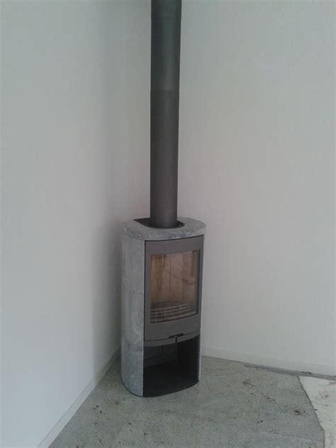 speksteen op houtkachel de contura 820t speksteen houtkachel ge 239 nstalleerd bij een