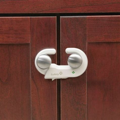 kitchen cabinet child safety locks safety 1st grip 39 n go cabinet lock with secure tech for