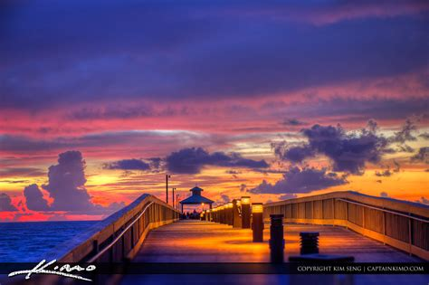 deerfield beach fishing pier durign pink sunrise