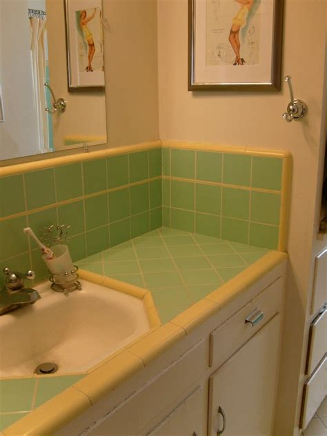 great pictures  ideas classic bathroom tile design