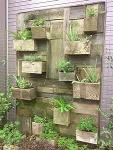 Vertical Vegetable Garden House Design With DIY Wall
