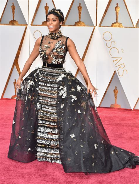Oscars Fashion Best Red Carpet Outfits