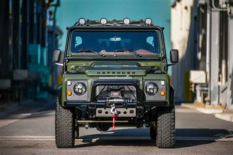 land rover defender   huntress