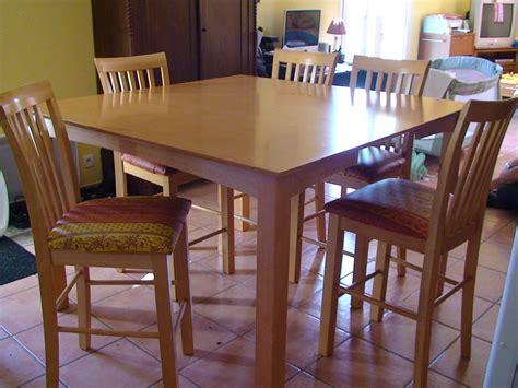 tables et chaises de cuisine table bar de cuisine 8 chaises en bois table et chaise