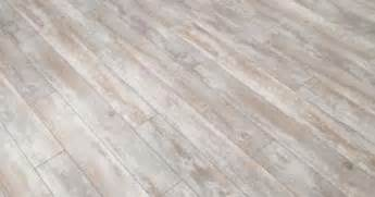 Pergo Xp Flooring Coastal Pine by Pergo Xp Coastal Pine 10 Mm Thick X 4 7 8 In Wide X 47 7