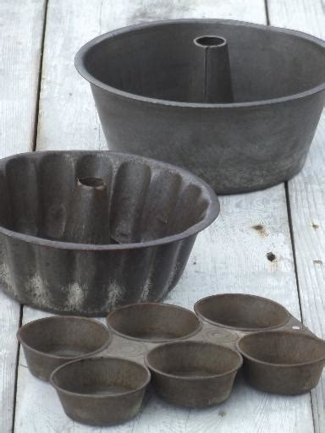 antique baking tins primitive  tinned steel cake molds
