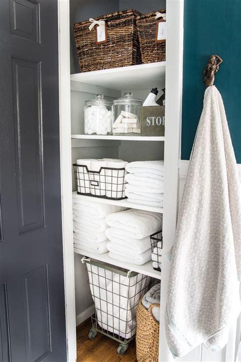 Linen Cupboard Organisation by Best 25 Linen Closets Ideas On Bathroom