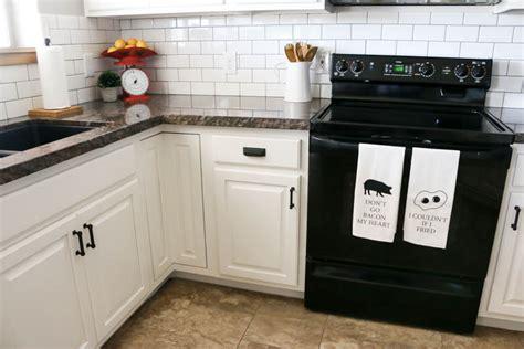 how to arrange kitchen cabinets modern farmhouse kitchen makeover hardware installation 7195