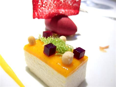 dessert cuisine an introduction to molecular gastronomy with a few simple