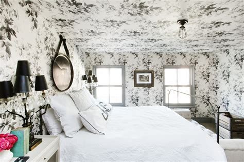 ceiling wallpaper  open   cramped room