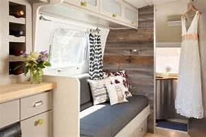Stuckleisten Anbringen Auf Tapete : tapete auf einer seite anbringen steinmuster camping trailer ~ Orissabook.com Haus und Dekorationen